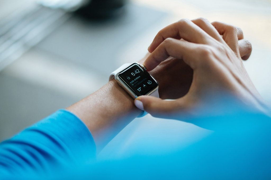smartwatches will not be a digital marketing trend for 2017